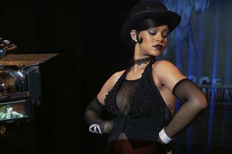Rihanna Bubbles
